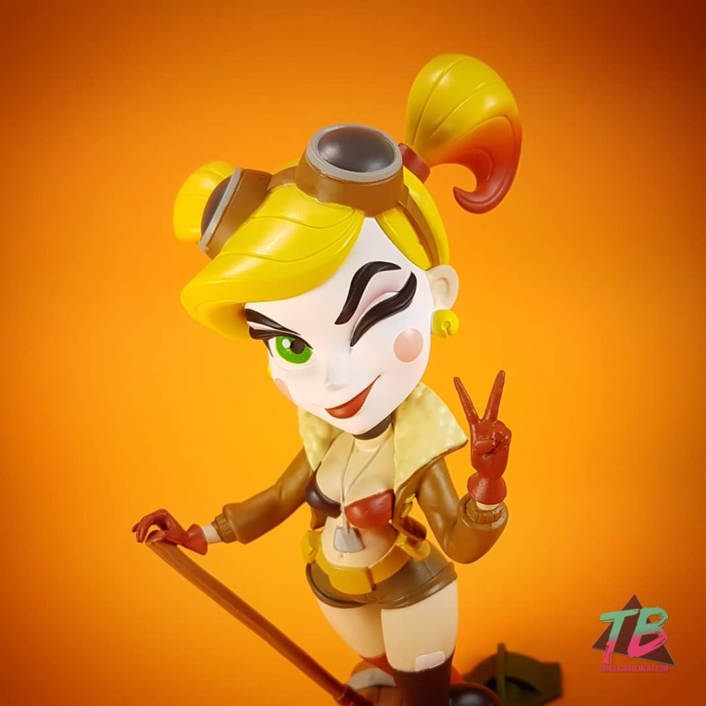DC-Bombshells-Series-3-Cryptozoic-DC-Comics-Harley-Quinn-Close-Up-Orange-1024x1024 DC Bombshells Series 3 & Bag Clips from Cryptozoic Toys and Collectibles Videos