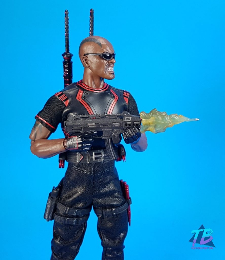 Mezco-Toyz-Toy-Fair-2019-Press-Goodie-Bag-Unboxing-Exclusive-Blade-One-12-Marvel-Blade-Shades-and-Guns-888x1024 Mezco Toyz Toy Fair 2019 Agent Gomez & Blade! Toys and Collectibles Videos