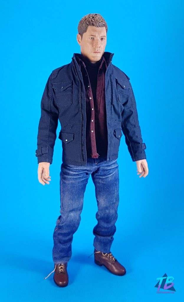 QmX-Quantum-Mechanix-Master-Series-6th-Scale-Figure-Supernatural-SPN-Dean-Winchester-Jensen-Ackles-Join-the-Hunt-Full-Shot-624x1024 AMAZING Dean Winchester 6th Scale from QmX! Videos