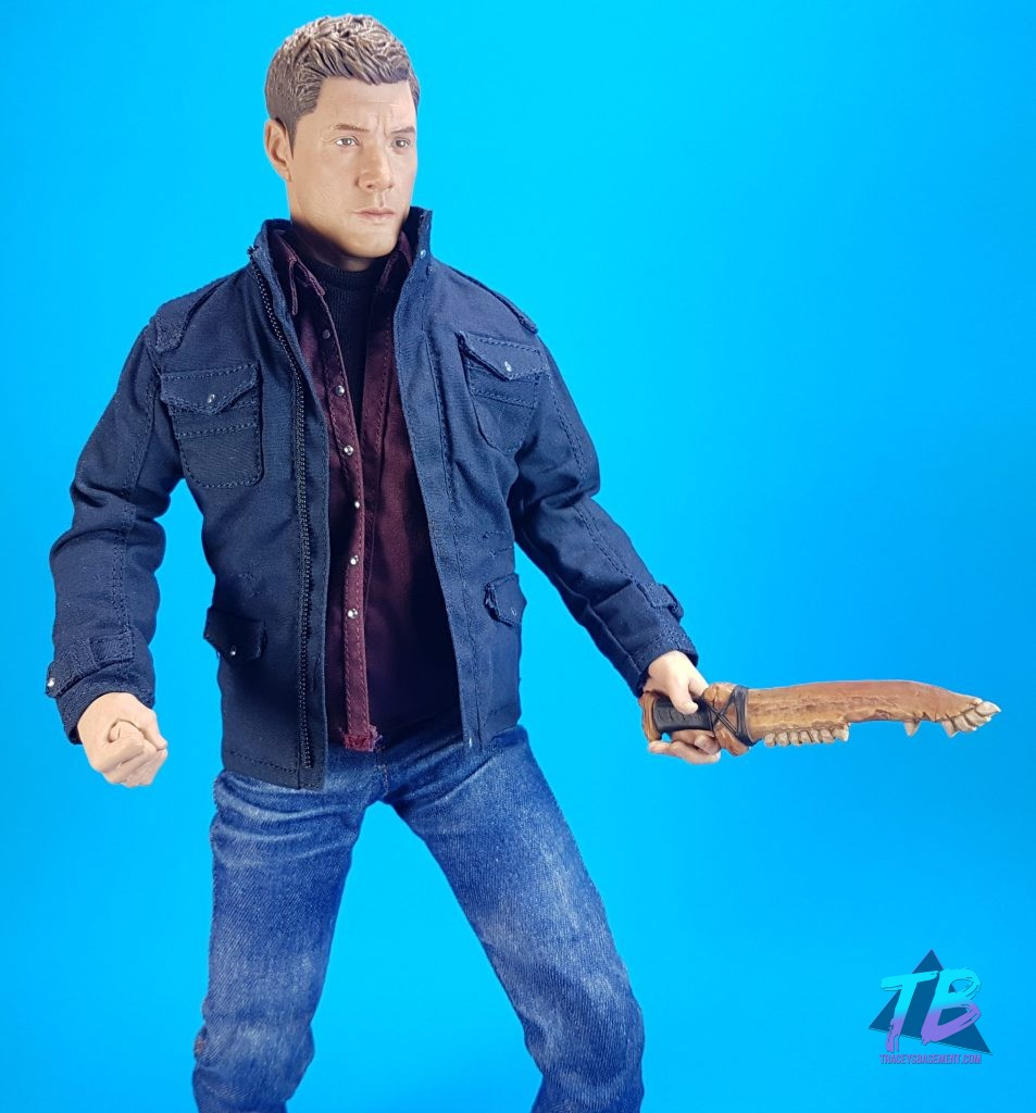 QmX-Quantum-Mechanix-Master-Series-6th-Scale-Figure-Supernatural-SPN-Dean-Winchester-Jensen-Ackles-Join-the-Hunt-With-Blade-and-Fist-953x1024 AMAZING Dean Winchester 6th Scale from QmX! Videos
