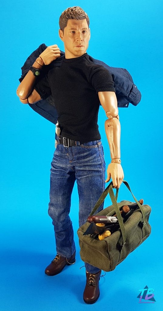 QmX-Quantum-Mechanix-Master-Series-6th-Scale-Figure-Supernatural-SPN-Dean-Winchester-Jensen-Ackles-Join-the-Hunt-With-Weapons-Bag-537x1024 AMAZING Dean Winchester 6th Scale from QmX! Videos