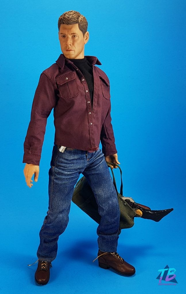 QmX-Quantum-Mechanix-Master-Series-6th-Scale-Figure-Supernatural-SPN-Dean-Winchester-Jensen-Ackles-Join-the-Hunt-With-Weapons-Bag-Without-Jacket-647x1024 AMAZING Dean Winchester 6th Scale from QmX! Videos