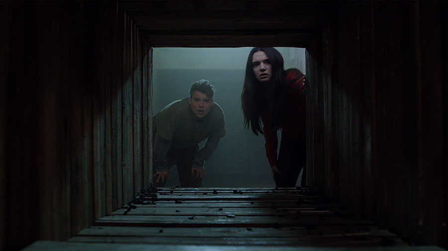 31 Days of Horror Haunt 2019 What are You Carving This Halloween? Harper and Evan Look Down the Tunnel